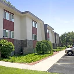Briarlane Apartments - Grand Rapids, Michigan 49503