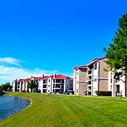 Crescent Cove At Lakepointe - Lewisville, Texas 75057