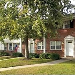 Village Square Townhomes & Apartments - Glen Burnie, Maryland 21061
