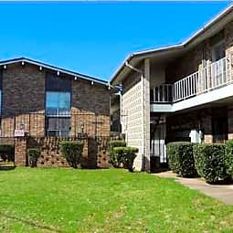 Embassy House Apartments - Shreveport, Louisiana 71104