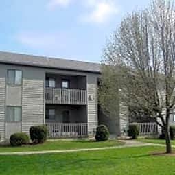 Longview Oaks Apartments - Harrisonburg, Virginia 22802