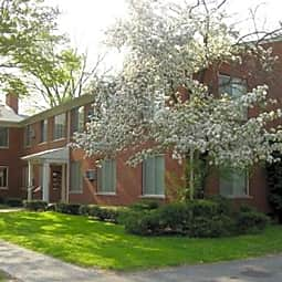 Mauer Manor Apartments - Saint Clair Shores, Michigan 48080
