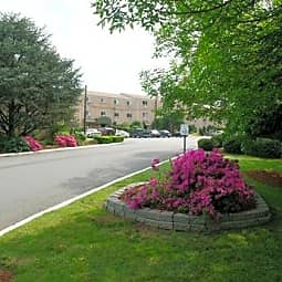 Village Of Pickering Run Apartments - Phoenixville, Pennsylvania 19460