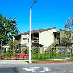 Ivywood Apartments - Oxnard, California 93030