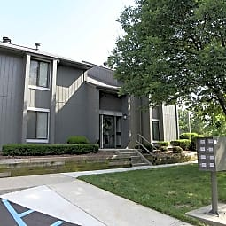Woodbridge Apartments of Bloomington - Bloomington, Indiana 47408