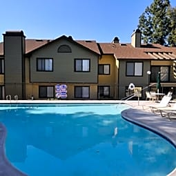 Parkwood Knoll Apartments - Highland, California 92346