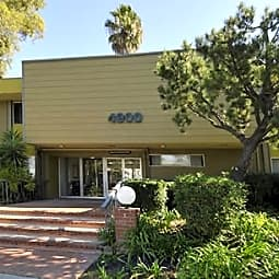 Country Villa Apartments - Long Beach, California 90807