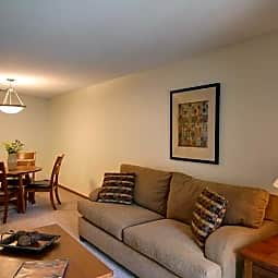 Forest Place Apartments - Saint Paul, Minnesota 55117