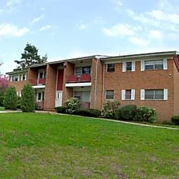 Riverview Terrace Apartments - Clark, New Jersey 7066