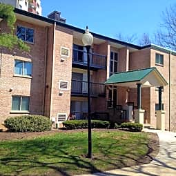 Parkwood Court - Alexandria, Virginia 22304