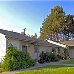 Sunnyside Manor Apartments - Sunnyside, Washington 98944