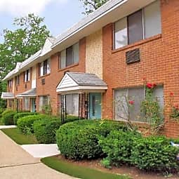 Haddon Knolls Apartments, LLC - Haddon Heights, New Jersey 8035