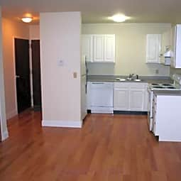 Highland Place Apartments - Grand Rapids, Michigan 49503