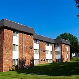 Garden Court Apartments - Pontiac, Michigan 48340