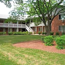 Plum Grove Apartments - Rolling Meadows, Illinois 60008