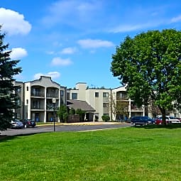 Pondview Apartments - Maplewood, Minnesota 55119