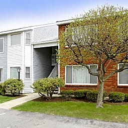 Strawberry Ridge Apartments - Waterford, New York 12188