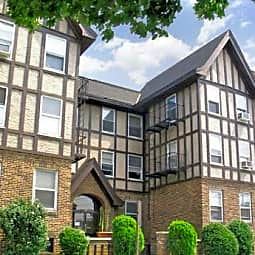 South Grove Apartments - Valley Stream, New York 11580