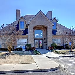 North Creek Apartments - Southaven, Mississippi 38671
