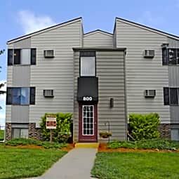 Mason Hills Apartments - Mason, Michigan 48854