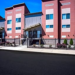 Circle East Townhomes - Cleveland, Ohio 44112