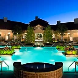 La Villita Apartment Homes - Irving, Texas 75039