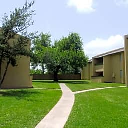 The Oaks Apartments - Texas City, Texas 77591