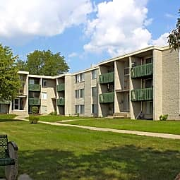 Bloomfields Fox Pointe - Pontiac, Michigan 48341