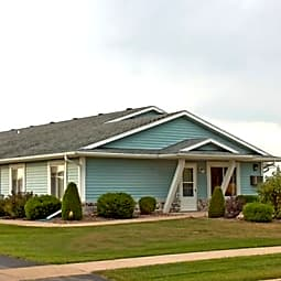 East Ridge Village Apartment Homes - Marshfield, Wisconsin 54449