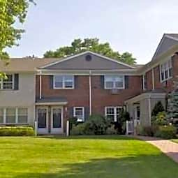 Fairfield Village At Commack - Commack, New York 11725