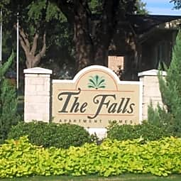 The Falls Apartments - Fort Worth, Texas 76116