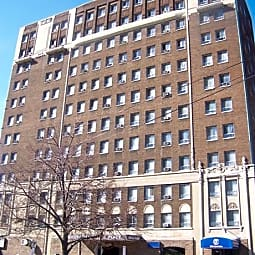 Commodore Place - Cleveland, Ohio 44106