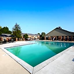 Governor Square Apartments and Townhomes - Carmel, Indiana 46032