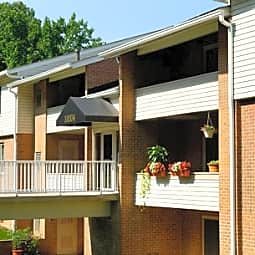 Saddle Brooke Apartments - Cockeysville, Maryland 21030