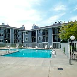 Heatherwood  Club  Apartments - Colorado Springs, Colorado 80917