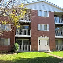Oak Trails Apartments - Des Plaines, Illinois 60016