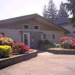 Courtyard Apartment Homes - Mukilteo, Washington 98275