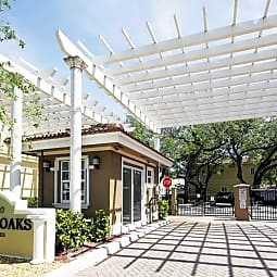Royal Oaks Townhomes - Hollywood, Florida 33021