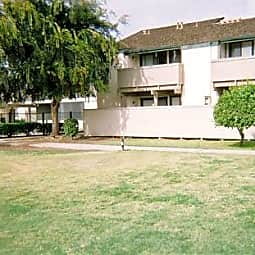 Shadowbrook Apartments - Selma, California 93662