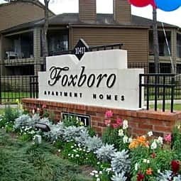 Foxboro Apartment Homes - Houston, Texas 77099