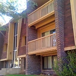 Cedar Park Apartments - Saint Paul, Minnesota 55106