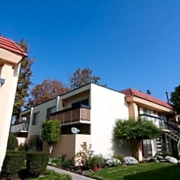 Pinehurst Apartments - Ventura, California 93003
