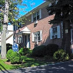 Maple Court Apartments - Ridgefield Park, New Jersey 7660