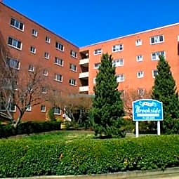 New Brookside Apartments - Alexandria, Virginia 22305