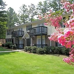 Emerald Pointe Apartments - Riverdale, Georgia 30274