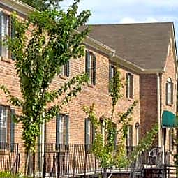 Stratford Arms Apartments - Riverdale, Georgia 30274