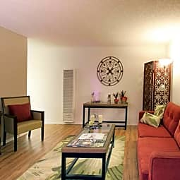 Casa Flores Apartments - Riverside, California 92504