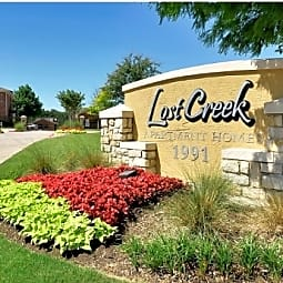 Lost Creek Apartments - Grand Prairie, Texas 75050
