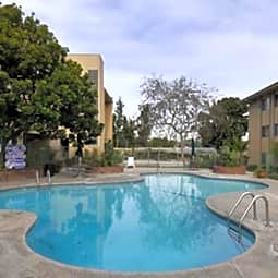 Casa Serranna Apartments - Los Angeles, California 90064
