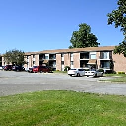 Hillbrook Apartments - Austintown, Ohio 44515